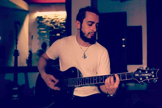 monkey age chitarra-Manlio